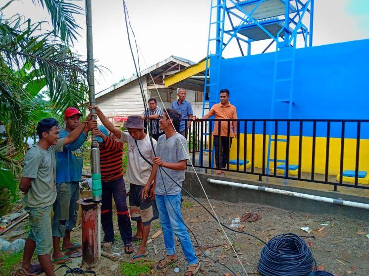 Implementasi pompa air tenaga surya lorentz di pinang gading - jambi - 1