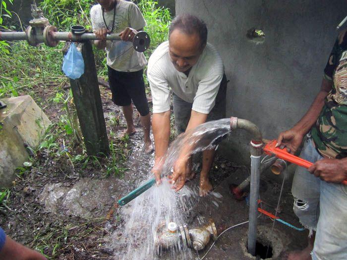 Implementasi pompa air tenaga surya lorentz di Kombapari - 8