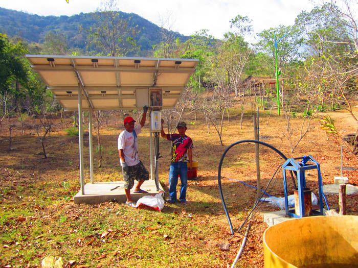 Pompa air tenaga surya untuk pertanian