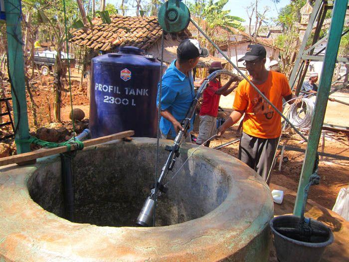 sistem pompa air tenaga surya